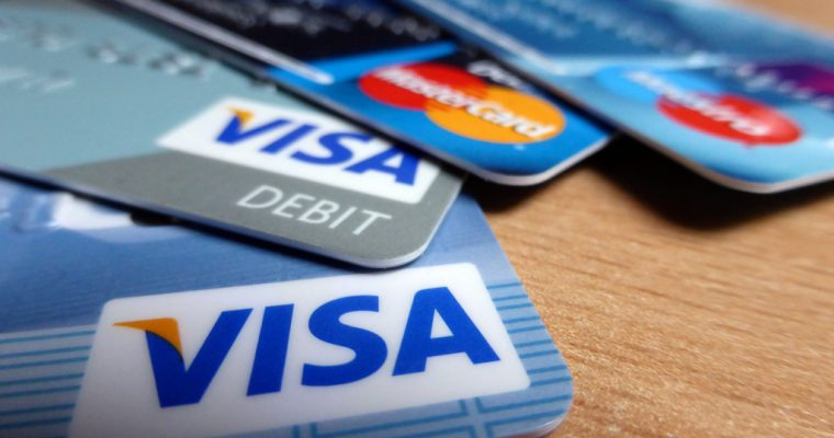 Don't Believe These 5 Credit Card Lies